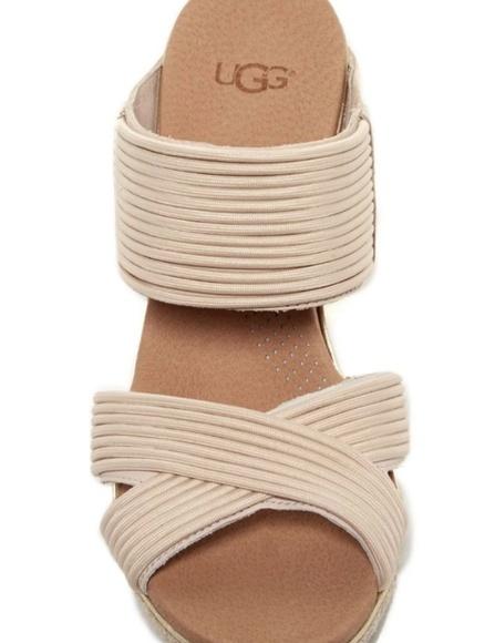 533cd8921de Ugg Hilarie wedge sandals